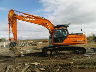 斗山DH215-7挖掘机做动作就憋车