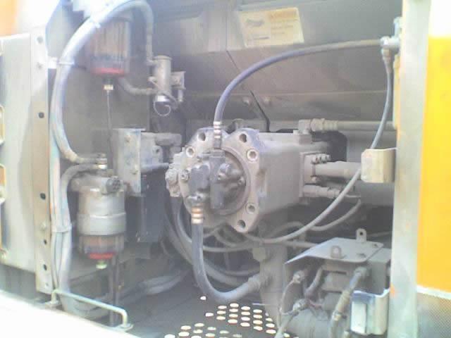 挖掘机液压泵维修 - 挖掘机维修